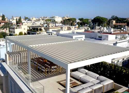 Pergotenda bioclimatica su terrazzo | Esempio lavoro in provincia di Mantova